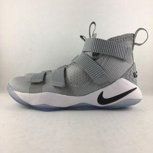 Nike LeBron Soldier XI Wolf Grey Boys Size 4.5